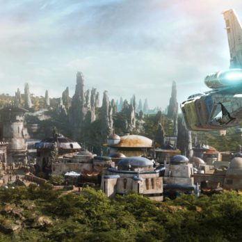 Here's Your First Look at Disney's Star Wars Galaxy's Edge