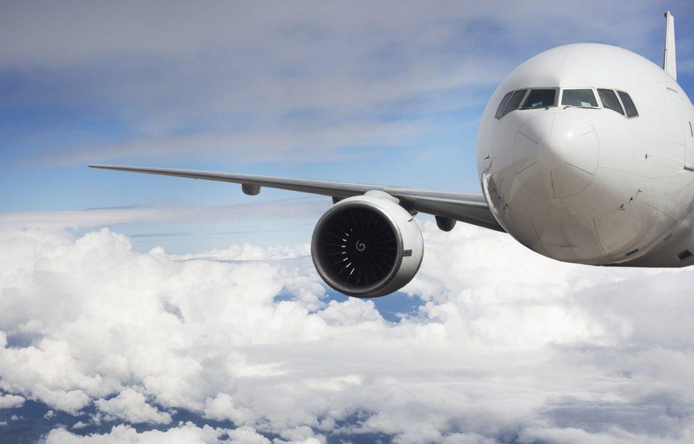 passenger airliner .