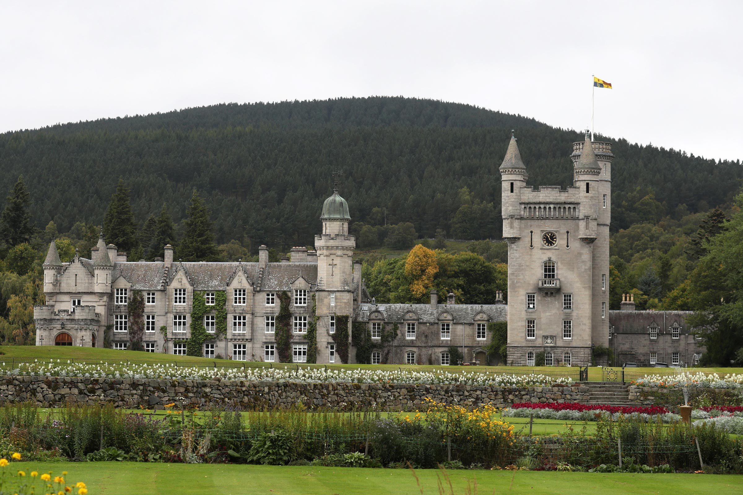 balmoral castle queen