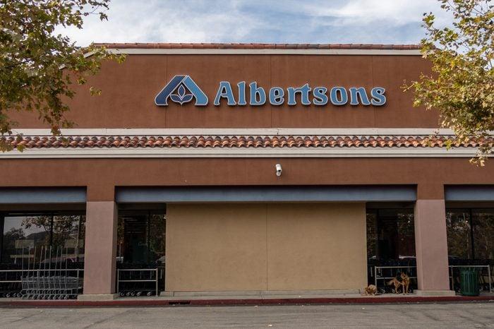 Laguna Niguel, CA / USA - 10/29/2018: Albertsons Grocery Store Location