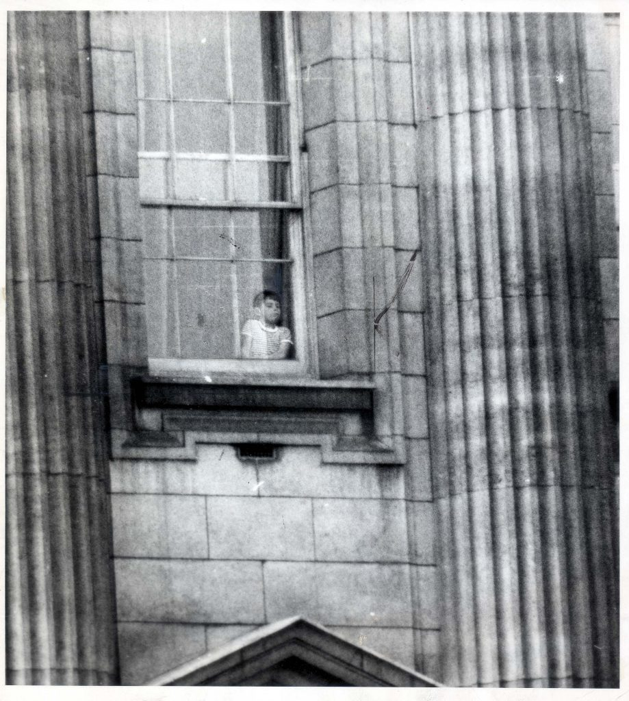 Prince Andrew At The Buckingham Palace Window....royalty Lp3d- Duke Of York (1961-1965)