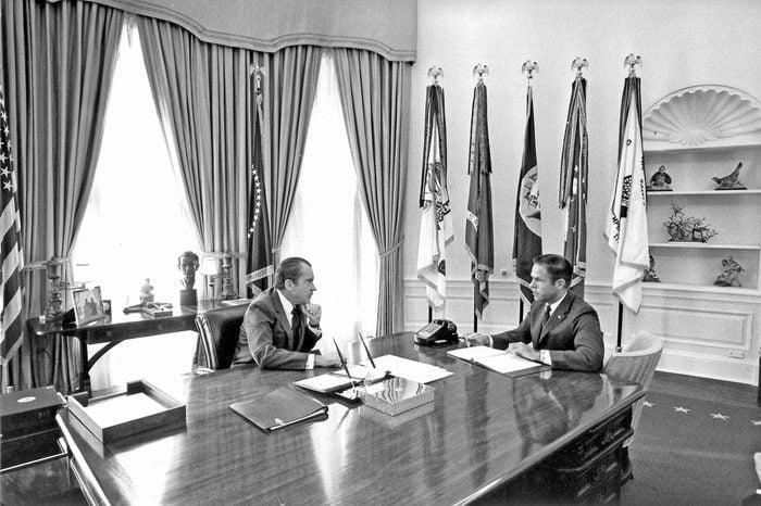 RICHARD NIXON IN A MEETING WITH HARRY ROBBINS, WASHINGTON DC, AMERICA - 10 FEB 1971