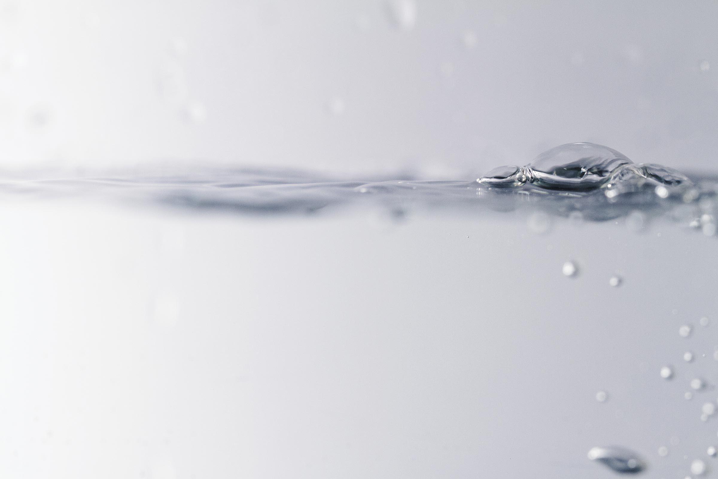 seltzer water sparkling bubbles