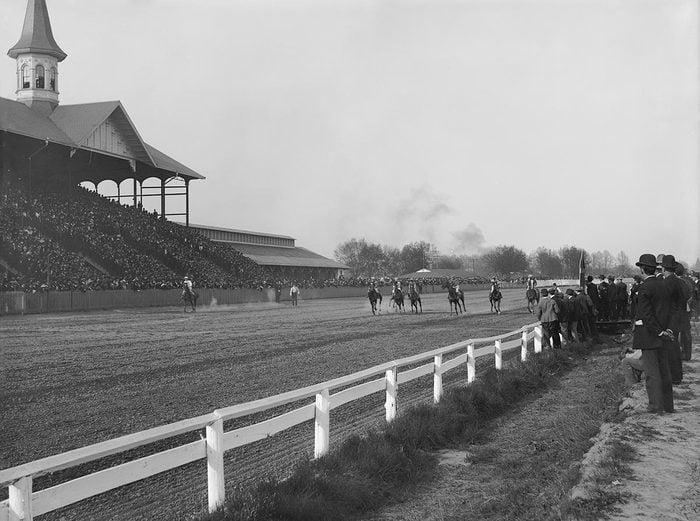 VARIOUS Start of Horse Race, Churchill Downs, Louisville, Kentucky, USA, circa 1907