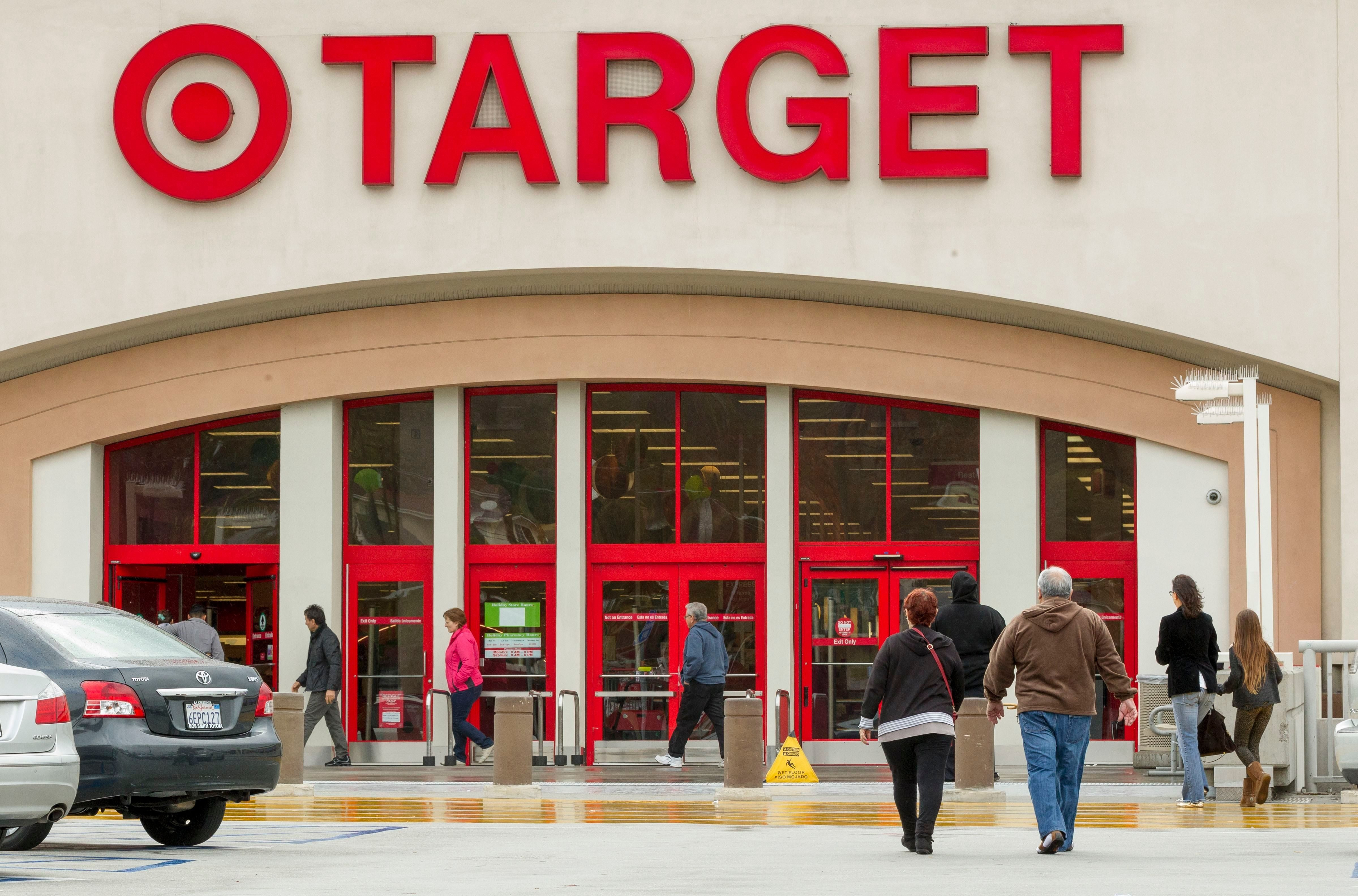 d7766ce71 Sneaky Ways Target Gets You to Spend More | Reader's Digest