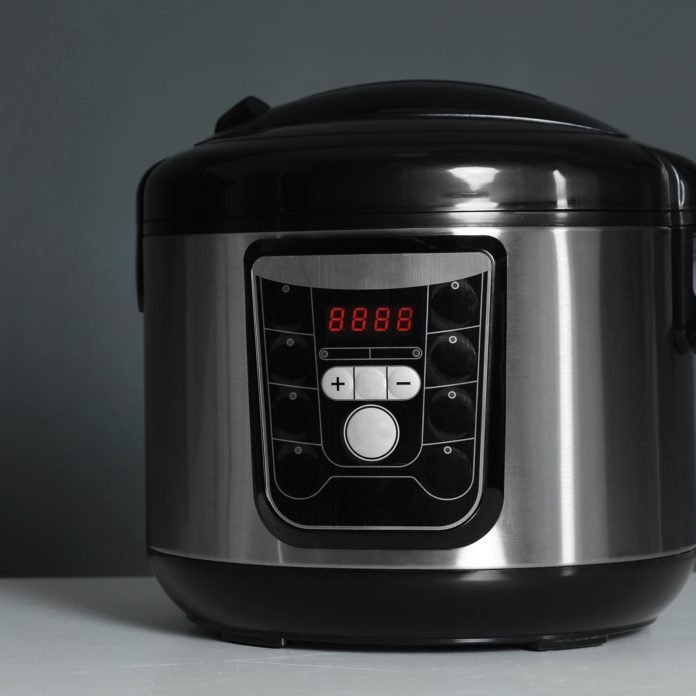 7 Common Slow Cooker Mistakes (and How to Avoid Them)