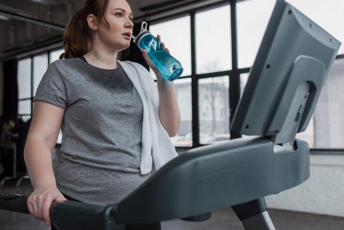 woman jog gym