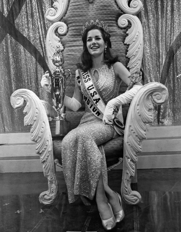 Dorothy Anstett, Miss USA 1968