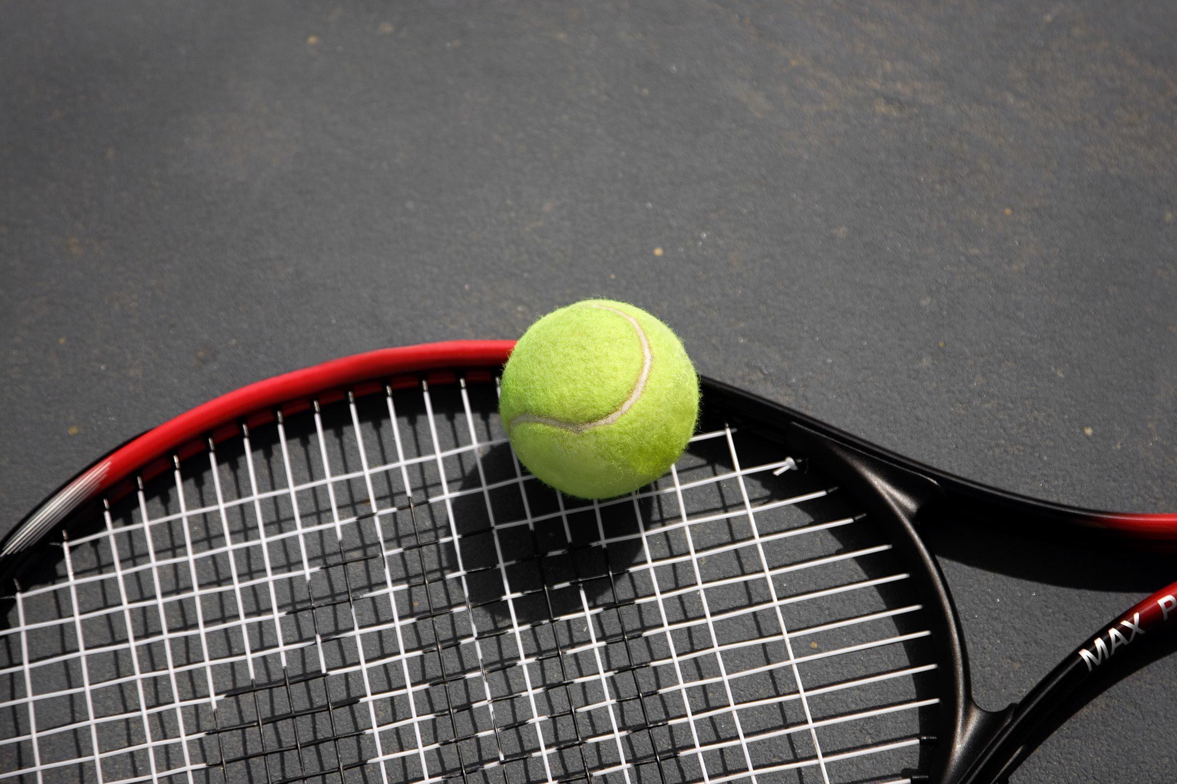 tennis racket ball