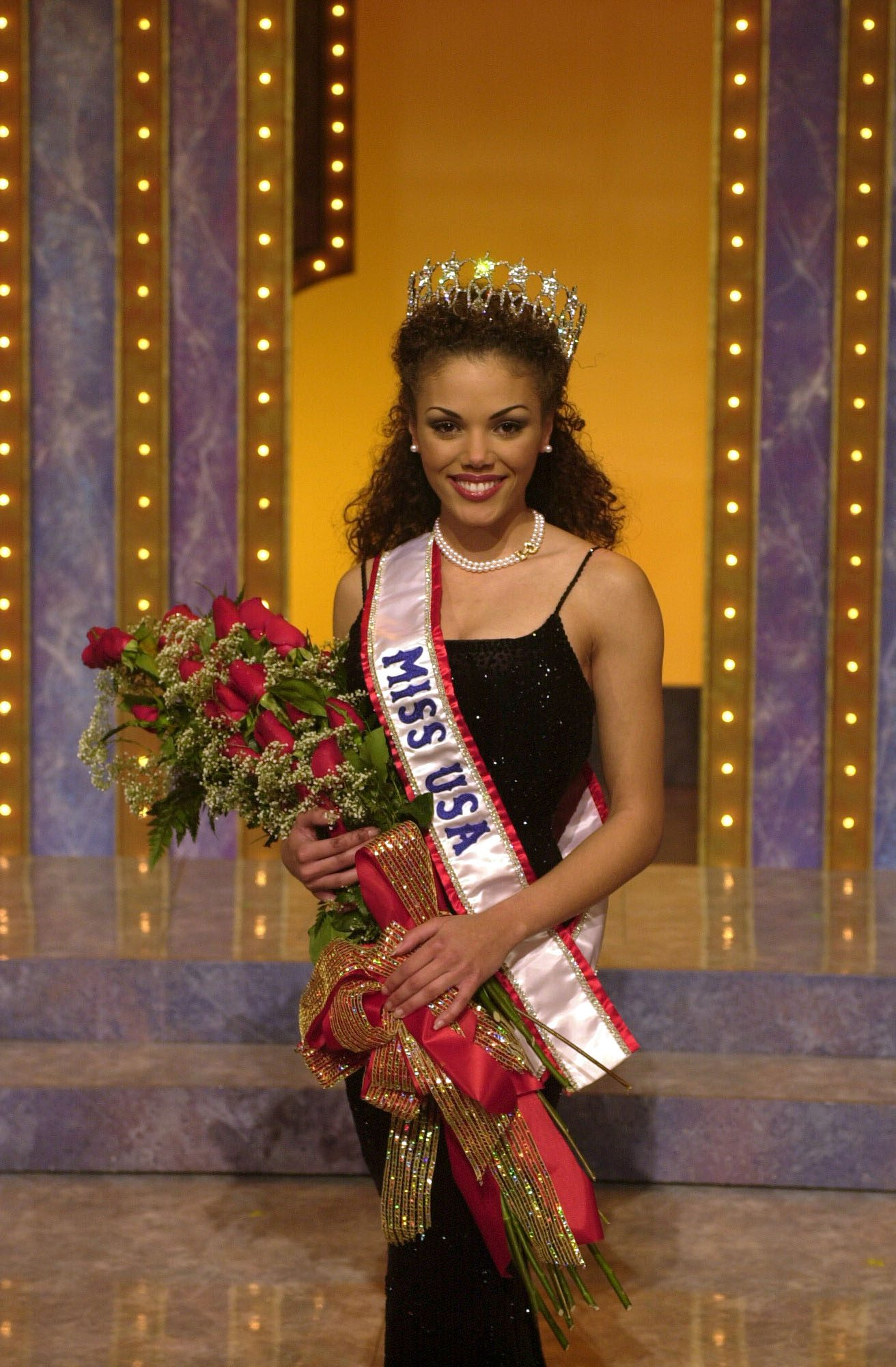 The new Miss USA 2000, Lynnette Cole of Columbia