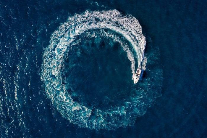 Boat Loop on the sea