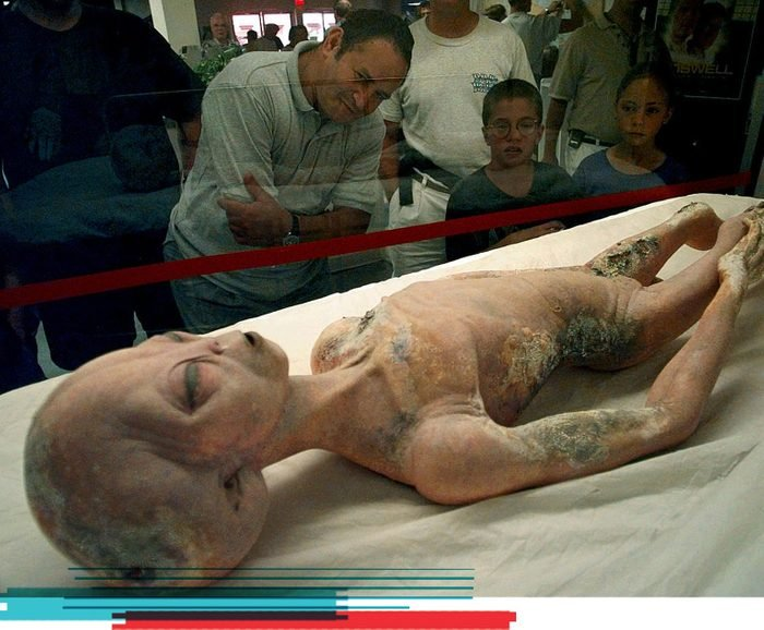 5 Famous Conspiracy Theories, Debunked Roswell aliens