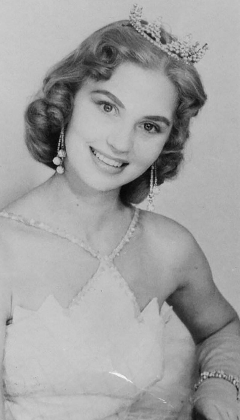 Charlotte Sheffield, Miss USA 1957.