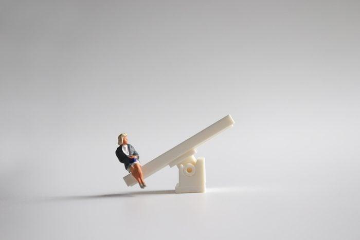 miniature figure unbalanced seesaw
