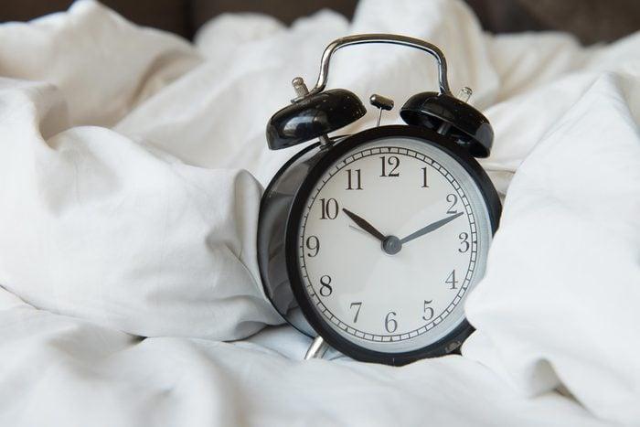 alarm clock 10 bed sheets
