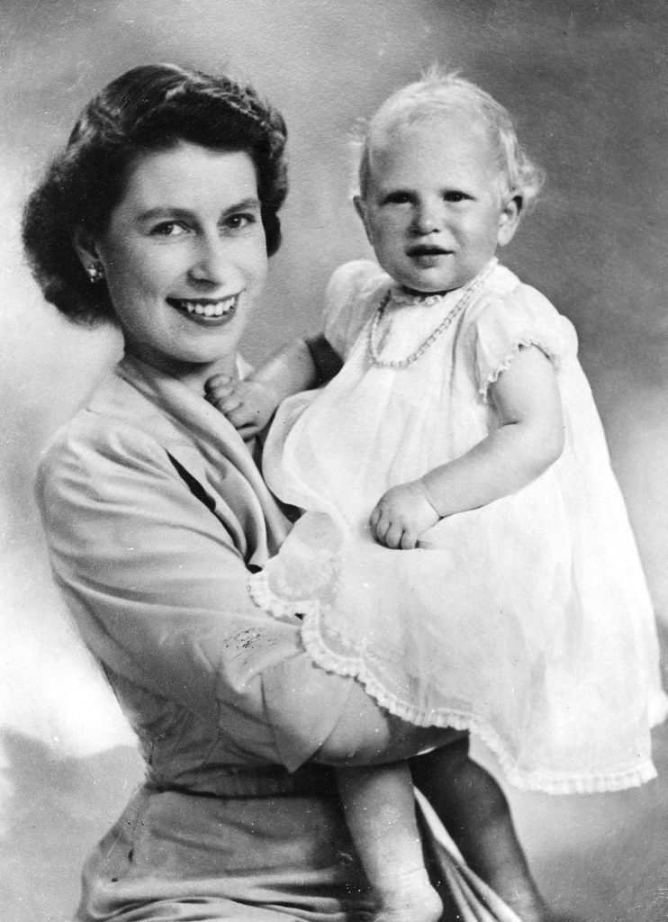 VARIOUS BRITISH ROYALTY PRINCESS ELIZABETH WITH PRINCESS ANNE - 1951