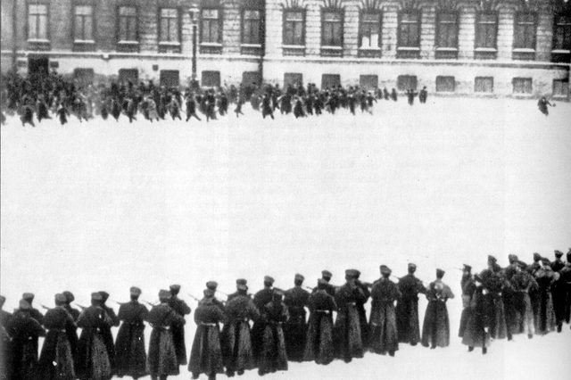 History Massacre in St petersberg in front of the Winter Palace (Bloody Sunday) 1905