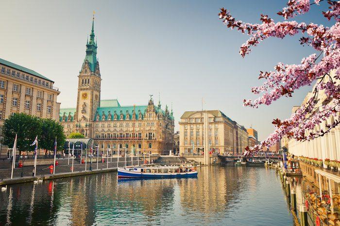Hamburg townhall and Alster river at spring