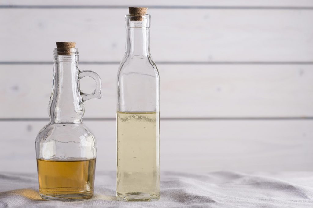 The Difference Between Apple Cider Vinegar And White