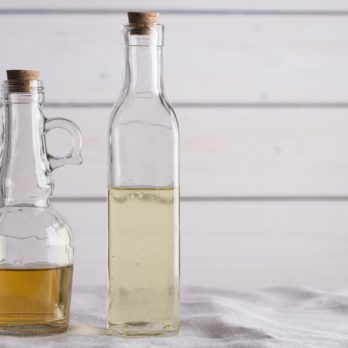 The Real Difference Between Apple Cider Vinegar and White Vinegar