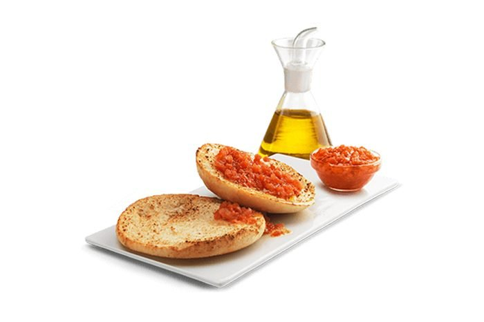 Toast with olive oil and tomatoes