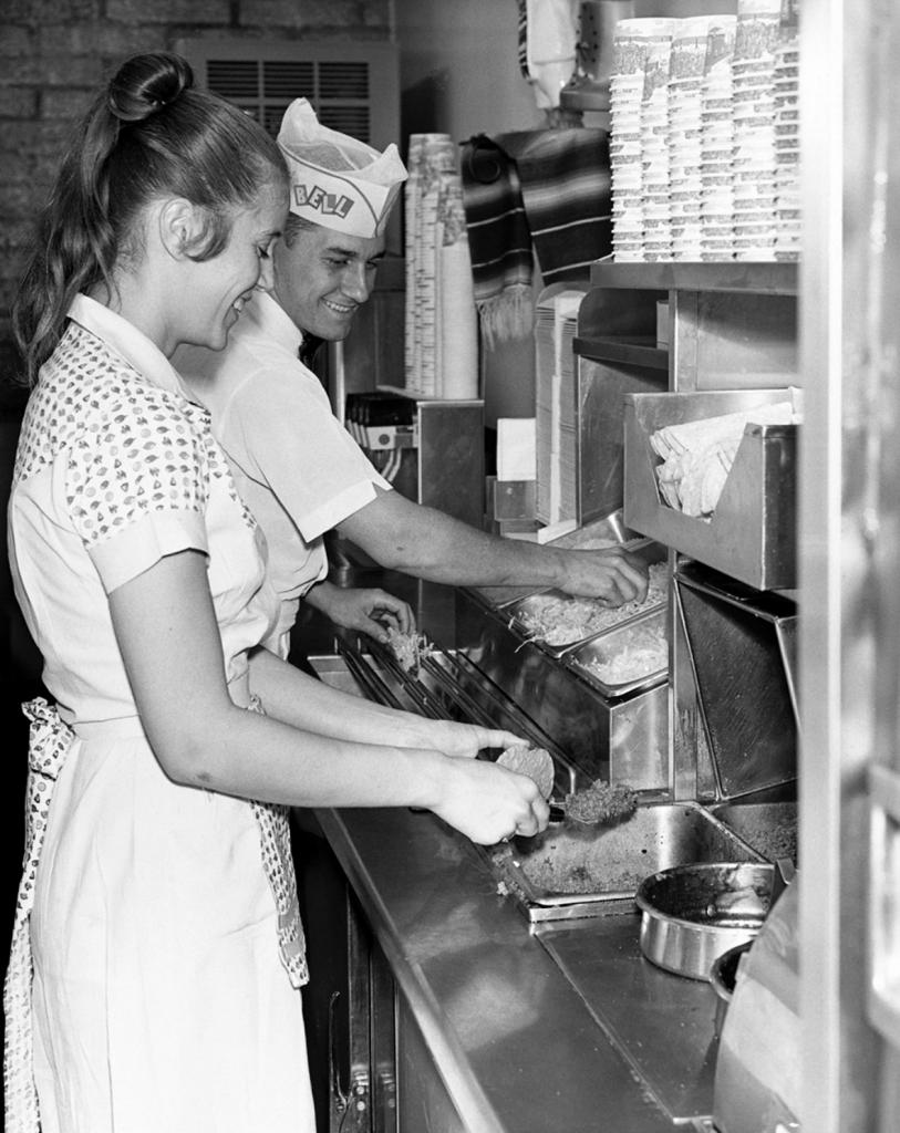 60s kitchen