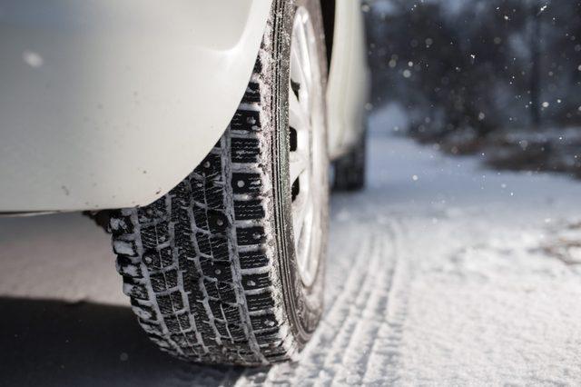icey car road