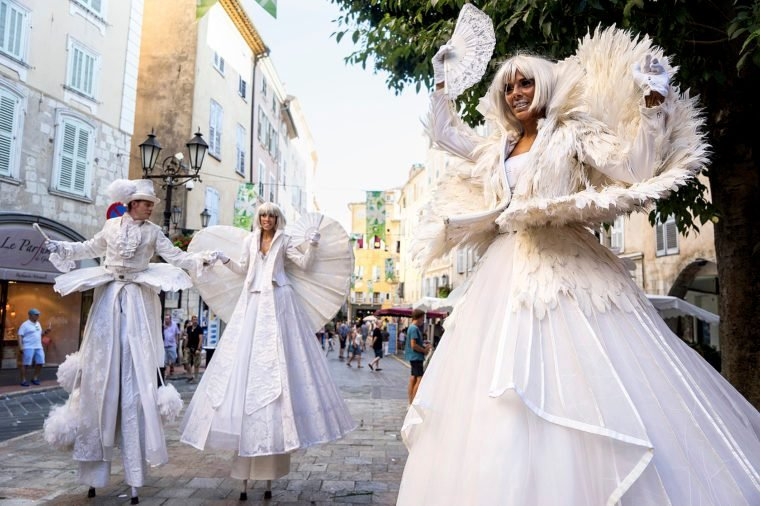street performers in the historic centre of Grasse, during the Jasmine Festival