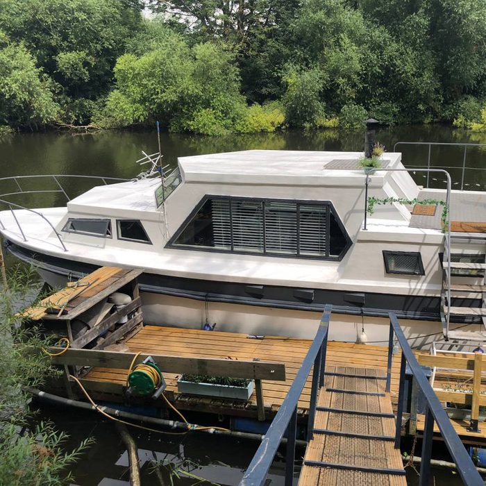 boutique houseboat york airbnb