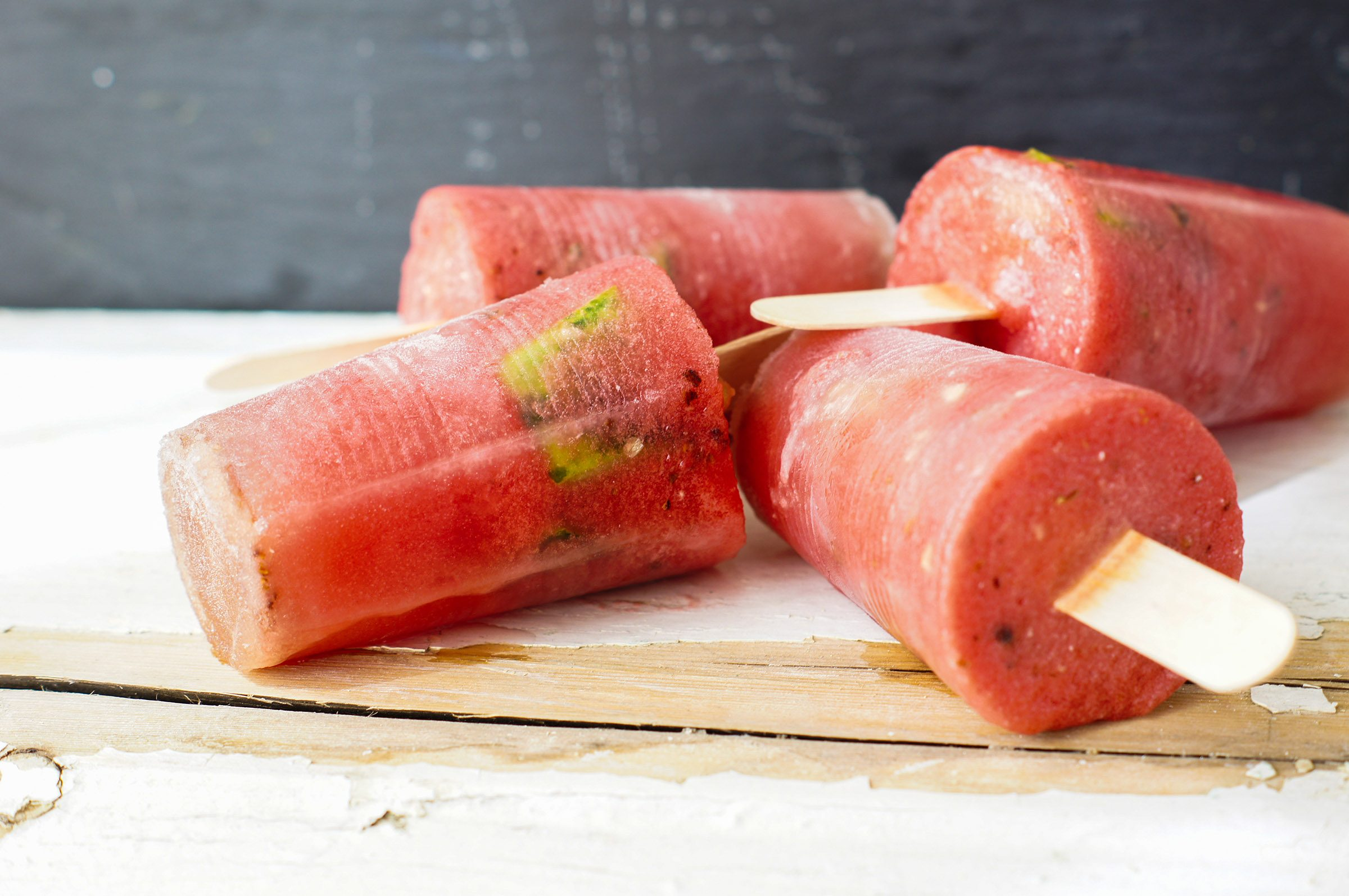 Homemade popsicles with watermelon and lime