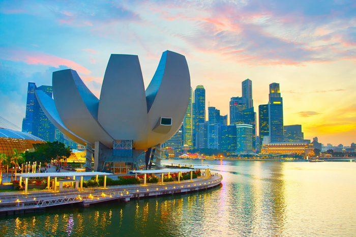 SINGAPORE - JAN 13, 2017: Skyline of Singapore in the twilight