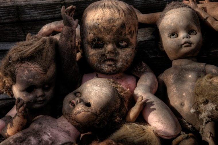 Creepy old dolls found in an abandoned Minnesota Farmhouse