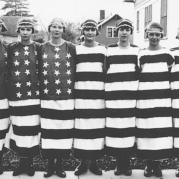 13 Vintage Photos of 4th of July Celebrations
