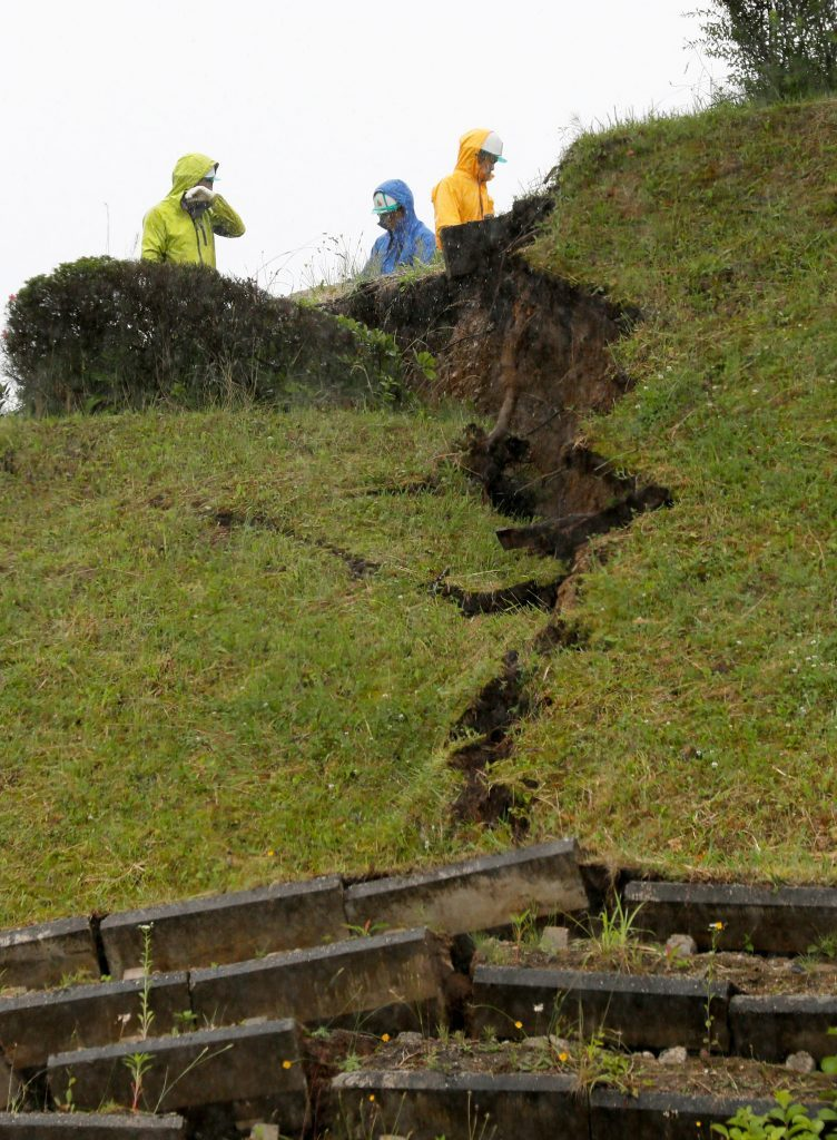 Magnitude 6.7 hits northern Japan causing no major damage, Murakami