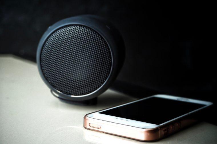 Bluetooth speaker with smart phone