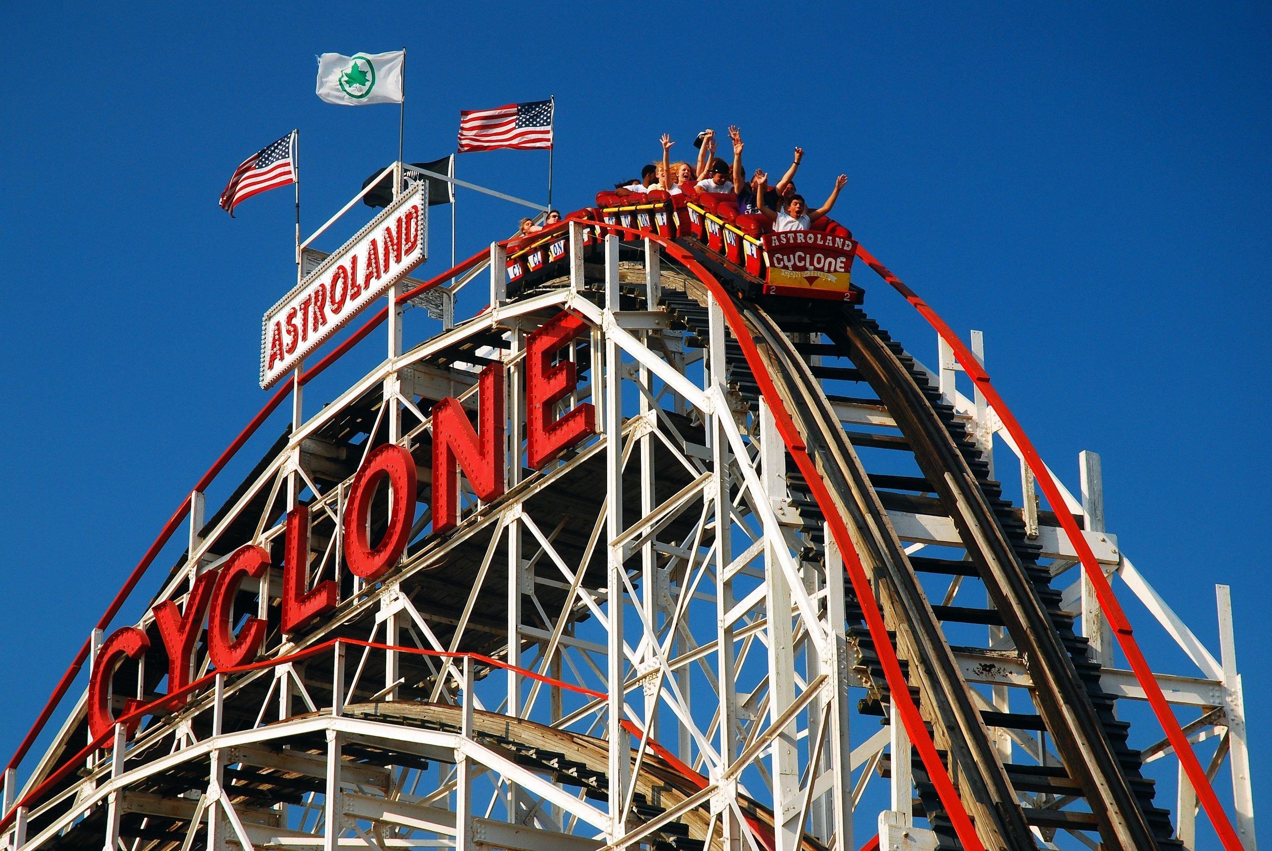 Seriously Dangerous Amusement Park Rides Reader S Digest