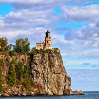20 Beautiful Lighthouses to Visit from Coast to Coast