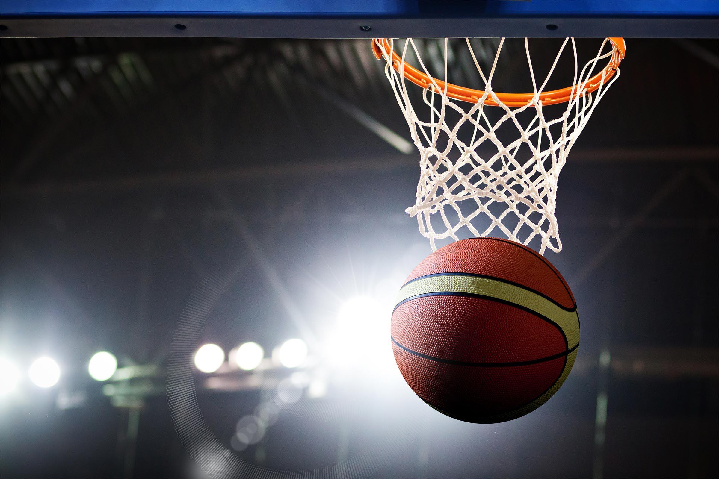 Basket Ball in hoop