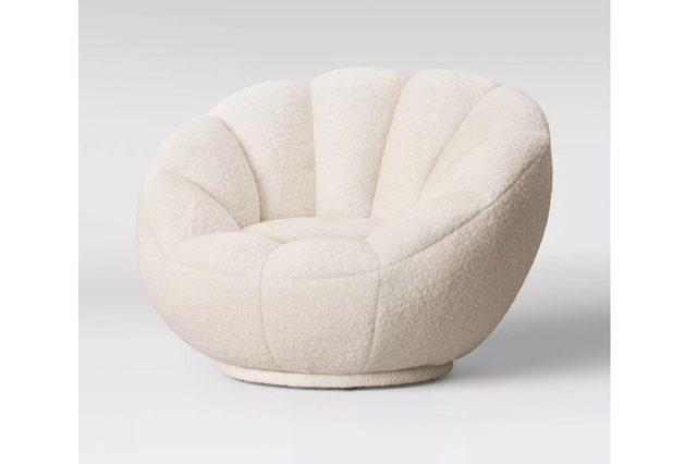 08_White-tulip-swivel-chair