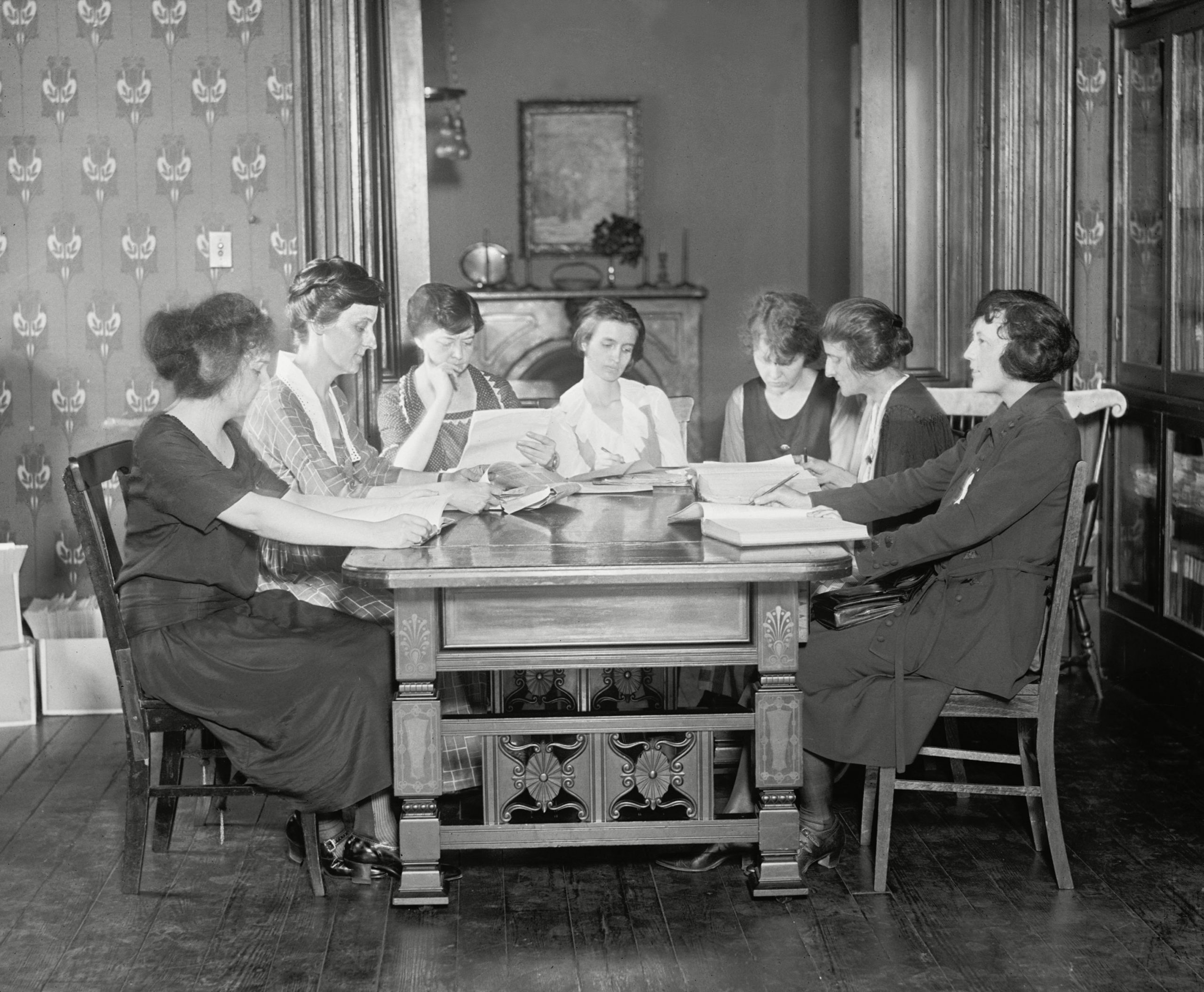 Women of the National Womens Party meeting in 1922