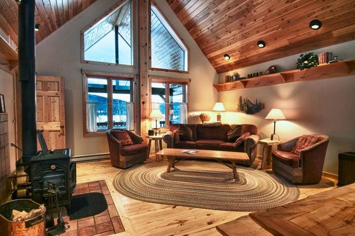 11_luxurious-log-cabin-accommodat