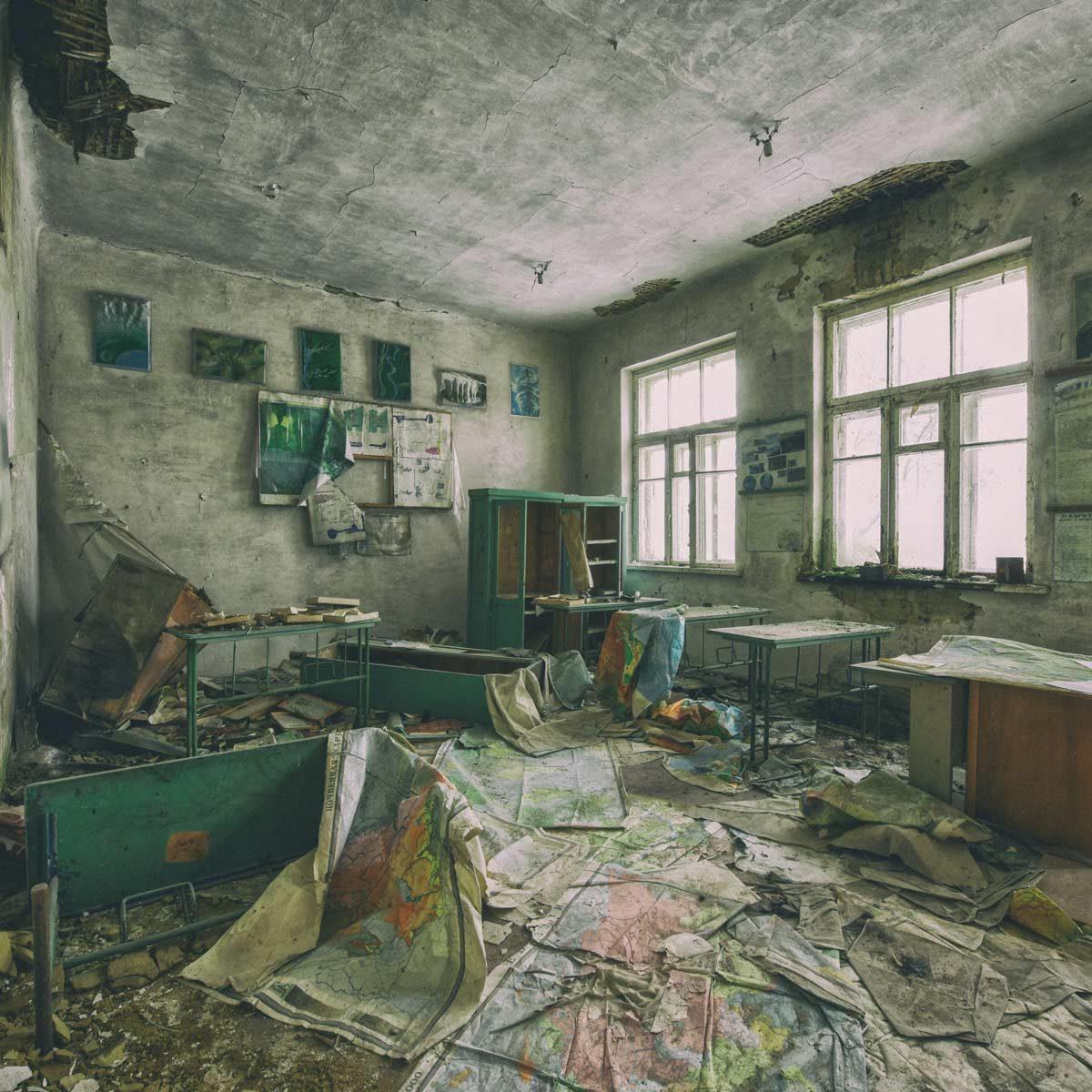 Abandoned-school-in-Pripyat-Chernobyl