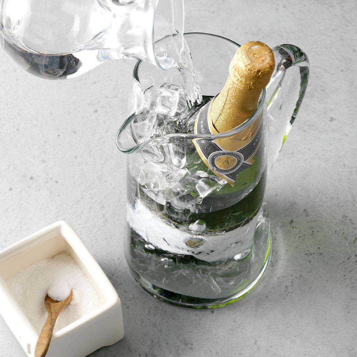 THGKH19, Kitchen Hack Chilling Wine Bottle