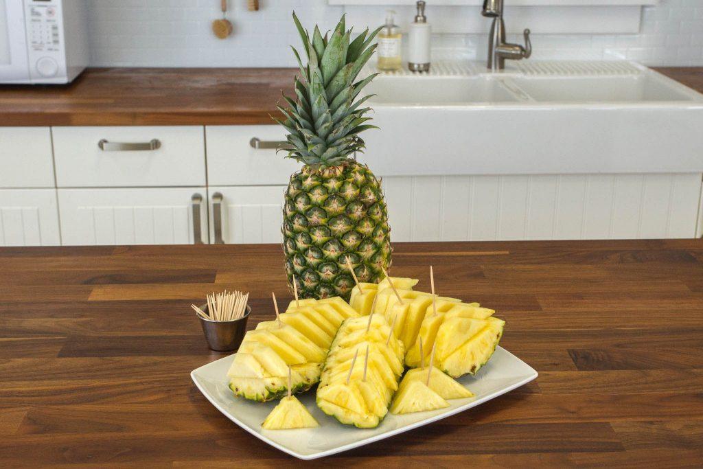 How to Cut a Pineapple Like a Hawaiian