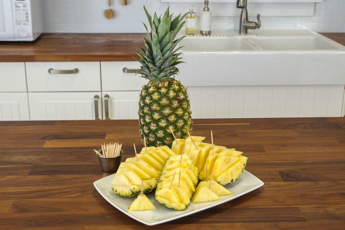 pineapple, how to cut
