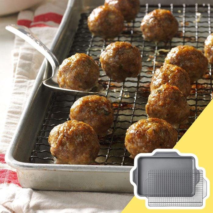 Meatballs in pan, kitchen hack