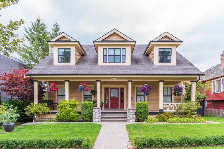 How Exterior Paint Colors Can Boost Your Home's Value
