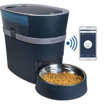 15 Tech Gadgets Every Pet Owner Needs