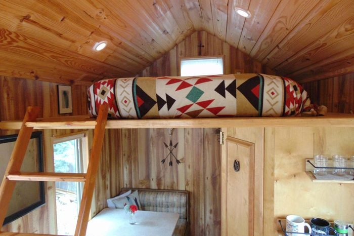 16_Pike's-Peak-tiny-cabin-on-wheels