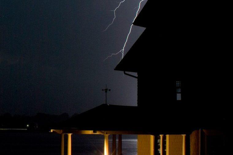 storm lightening house